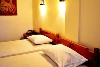 accommodation hotel maro beds