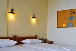 accommodation hotel maro double bedroom