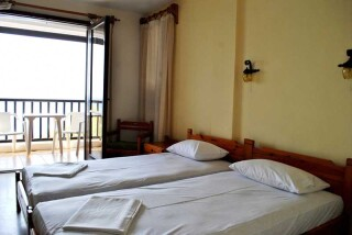 accommodation hotel maro rooms