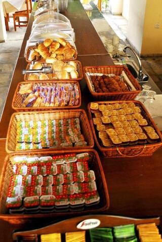 facilities hotel maro breakfast