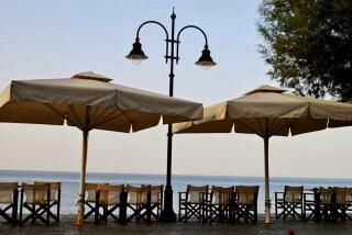 facilities hotel maro cafe