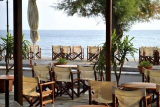 facilities hotel maro cafeteria